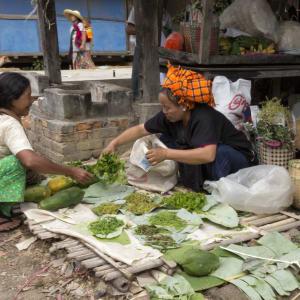 Tour à vélo à travers le pays doré de Yangon: Inle Lake market