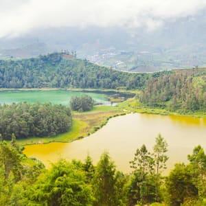 Java-Bali Kompakt ab Yogyakarta: Java Dieng Plateau Lakes Telaga Warna and Cisaat