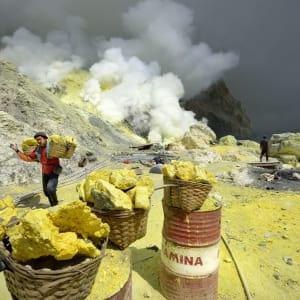 Imposanter Ijen Krater ab Südbali: Java Mount Ijen Patrick Loertscher
