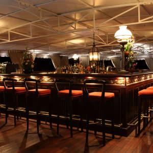 Flusskreuzfahrt nach Angkor ab Saigon: Jayavarman Club 1930 Funnel Bar & Lounge