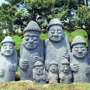 Kontrastreiches Südkorea ab Seoul: Jeju Dolharubang statue