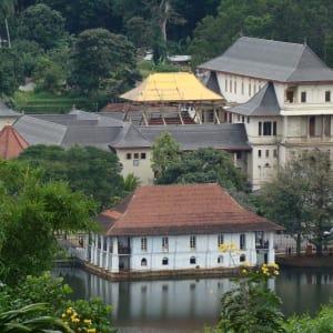 Sri Lanka Kompakt ab Colombo: Kandy: Dalada Maligawa (Tooth Temple)