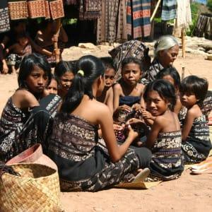 Kreuzfahrt durch die Inselwelt Indonesiens / Bali - Flores ab Südbali: Komodo: Ladies gathering