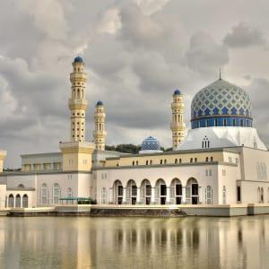 Les hauts lieux de Bornéo de Kuching: Kota Kinabalu: Masjid Terapung Likas - City Mosque