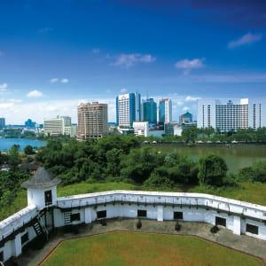 Natur pur in Sarawak ab Kuching: Kuching: Capital of Sarawak