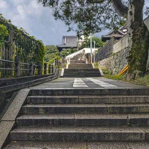 Entdeckungen im Westen Japans ab Kyoto: Kurashiki Walkway to Temple