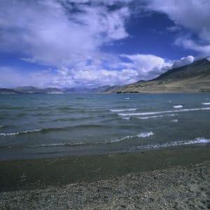 Les montagnes spectaculaires de Ladakh de Leh: Ladakh: Tso Moriri Lake