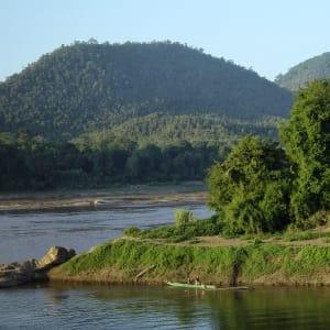 Luang Prabang aktiv erleben: Laos Luang Prabang river scenery