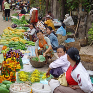 Découverte active de Luang Prabang: Laos market