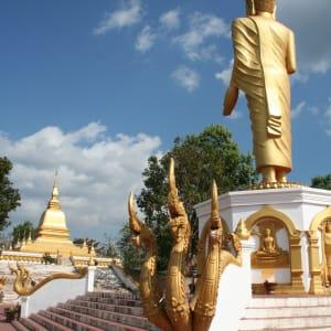 Le nord fascinant du Laos de Luang Prabang: Laos Oudomaxay Buddha Statue
