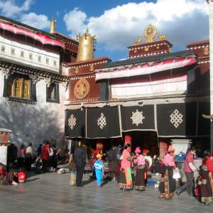 Avec le train du Tibet sur le toit du monde de Pékin: Lhasa Jokhang temple