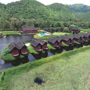 Pristine Lotus Resort in Inle Lake: Hotel from outside