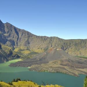 Rinjani Trekking ab Lombok: Lombok Mount Rinjani with crater lake