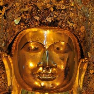 La fascination du Myanmar – un pays en mutation de Yangon: Mandalay Mahamuni Pagoda