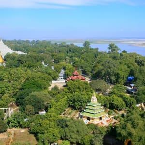 Flussfahrt auf dem mystischen Irrawaddy ab Bhamo: Mandalay Mingun view from Pahtodawgyi stupa