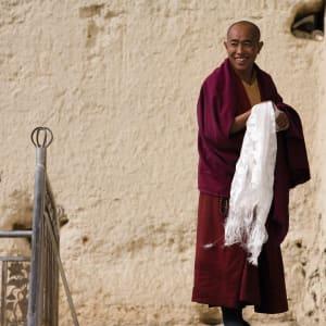 Circuit spectaculaire du Yunnan au Tibet de Kunming: Monk in Songzanling Monastery