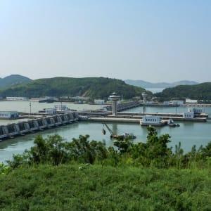 Grand circuit en Corée du Nord de Pyongyang: Nampo: West Sea Dam