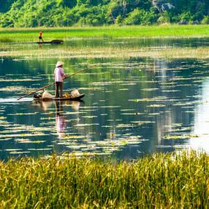 Impressionen Nordvietnams ab Hanoi: Ninh Binh: Daily life in Van Long Natural Preserve