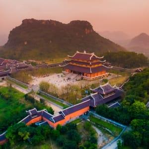 Impressionen Nordvietnams ab Hanoi: Ninh Binh Province Bai Dinh Pagoda