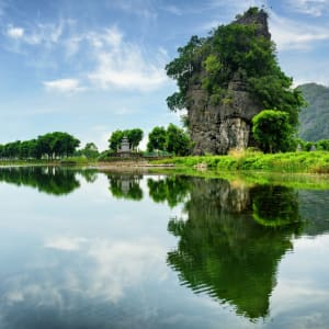 Impressionen Nordvietnams ab Hanoi: Ninh Binh Province Ngo Dong River