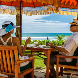 The Oberoi Beach Resort, Bali à Sud de Bali: Couple enjoy a drink