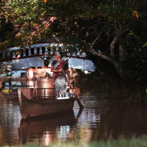 Coconut Lagoon in Kumarakom: Evening chai on a boat