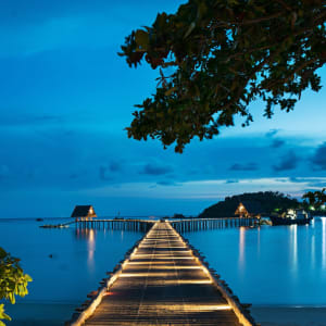 Bawah Reserve: Pier at night