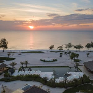 The Royal Sands Koh Rong in Sihanoukville & Inseln:  Pool Sunset