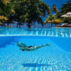 Atmosphere Resort in Negros: Seeing blue