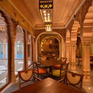 Haveli Dharampura in Delhi: Sitting possibilities