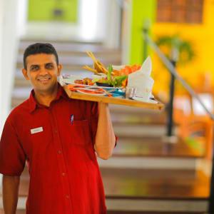Aditya Resort à Hikkaduwa: Staff