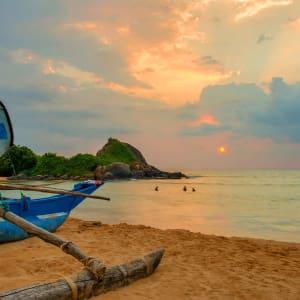 Shinagawa Beach à Balapitiya:  Sunset