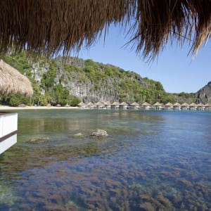 El Nido Resorts Apulit Island à Palawan: View from inside the Water Cottage