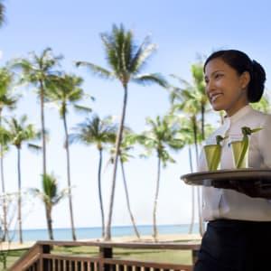 JW Marriott Khao Lak Resort & Spa: Waitress