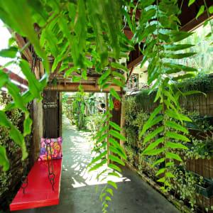 Shewe Wana Boutique Resort & Spa in Chiang Mai: Walkway
