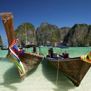 Individuelles Inselhüpfen in der Bucht von Phang Nga ab Phuket: Phi Phi Maya Bay