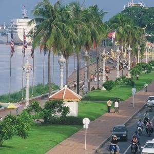 Stadtrundfahrt mit dem Tuk-Tuk in Phnom Penh: Phnom Penh River Promenade