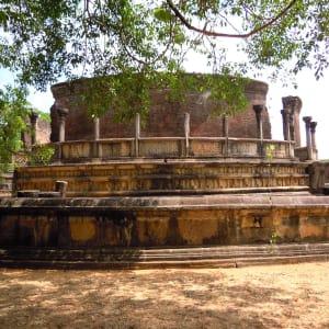 Le Sri Lanka pour les fins connaisseurs de Colombo: Polonnaruwa: round temple