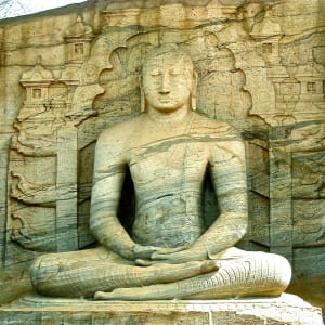 Sri Lanka für Geniesser ab Colombo: Polonnaruwa: sitting Buddha