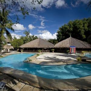 Bluewater Maribago Beach Resort à Cebu: Allegro Restaurant & Pool