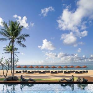 The St. Regis Bali Resort in Südbali: Beach & pool