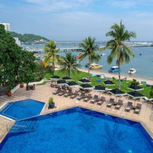 Siam Bayshore in Pattaya: Beach Pool