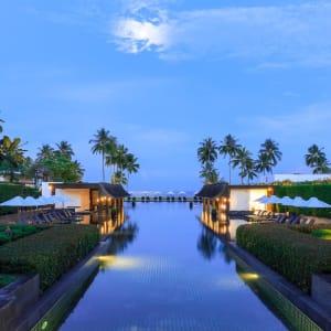 JW Marriott Khao Lak Resort & Spa: Center Pool area