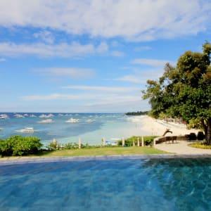 Amorita Resort in Bohol: Cliff Deck Infinity Pool