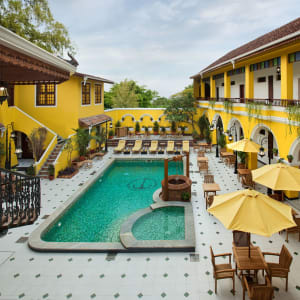 Forte Kochi: Courtyard Pool