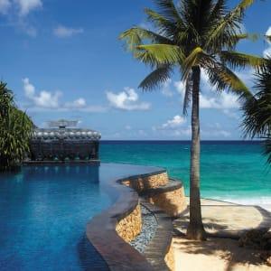 Shangri-La's Boracay Resort & Spa: Infinity pool