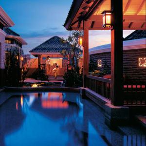 Shangri-La's Mactan Resort & Spa in Cebu: Karakal Vitality Pool