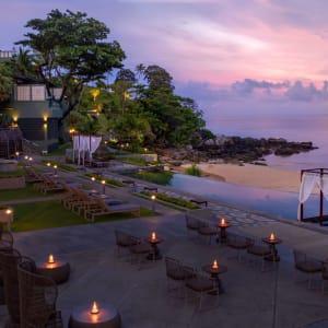 The Shore at Katathani à Phuket: Main Pool at night