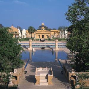 The Oberoi Rajvilas in Jaipur: Main Swimming Pool
