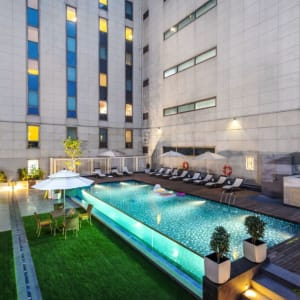 ibis New Delhi Aerocity: Pool